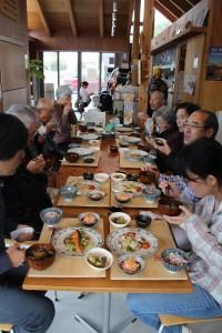 スマートクラブ。みんなでお昼ご飯。